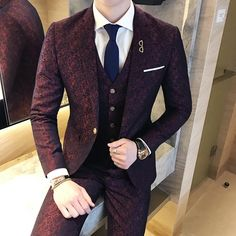 Mens Wedding Suits 2018 Terno Masculino Slim fit 3 Piece Mens Suits Burgundy Soc… News 2019 Slim Fit Tuxedo, Slim Fit Suits, Tuxedo For Men, Red Tuxedo, Tuxedo Suit, Mens Fashion Suits, Mens Suits, Beard Fashion, Men Wear