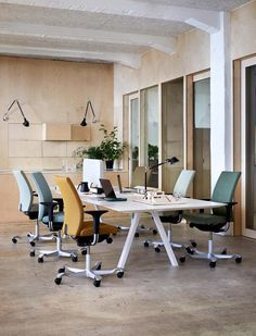 36 Awesome Scandinavian Home Office Design Ideas You Should Copy - More and more individuals are quitting their jobs and are deciding to work from home, due to the burst of internet business opportunities. Work Office Design, Cool Office Space, Modern Office Design, Office Interior Design, Office Interiors, Cool Office Chairs, Office Space Decor, Modern Interior, Workspace Design
