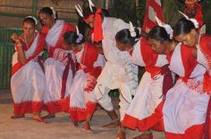 3.114.traditional-dance-West Bengal