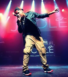 """J. Cole Talks Outselling Kanye, Kendrick's """"Control"""" Verse & More 