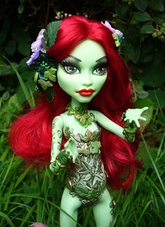 Monster High Custom Poison Ivy - blowing a deadly kiss by redmermaidwerewolf, via Flickr