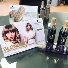 "Sarah Zündorf on Instagram: ""#blondme #schwarzkopf #toneenhancing #sprayconditioner #coolblondes #blondehair #blondhaircare 💁🏼♀️😍"" Conditioner, Blonde Hair, Cool Stuff, Instagram, Barber Shop Names, Products, Yellow Hair, Auburn Hair, Blonde Short Hair"