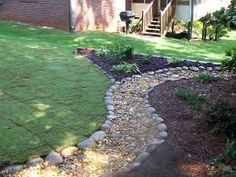 Fresh Enhacing Your Landscape River Rock Garden Pathinterior outdoor categories. we continue sharing some ideas about river rock landscaping pictures design. click the images for more details Rock Walkway, River Rock Landscaping, Stone Landscaping, Landscaping Images, Landscaping With Rocks, Front Yard Landscaping, Walkway Ideas, Sideyard Ideas, Landscaping Software
