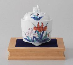 Tokyo Matcha Selection - Arita Porcelain Cencer : IRIS - Incense Burner Holder w Base