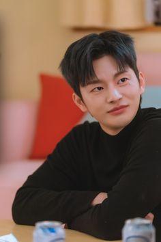 Drama Korea, Korean Drama, Doom 3, Park Bo Young, Seo In Guk, Evan Peters, Kdrama Actors, Handsome Boys, Korean Singer