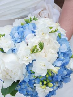 Hydrangea Wedding Bouquet designcorral.com #bouquet #wedding #hydrangea