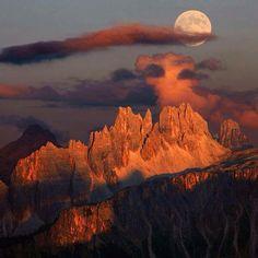 Tibetan moonrise at sunset... by Moro #Tibet #moon #fullmoon