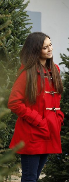 Who made Nina Dobrev's rec toggle coat? Coat – American Eagle