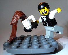 Oh, lego man! Save the coffee! Legos, Lego Winter Village, Figurine Lego, Lego Boards, Lego Pictures, Lego People, Lego Man, Lego Minifigs, Pokemon