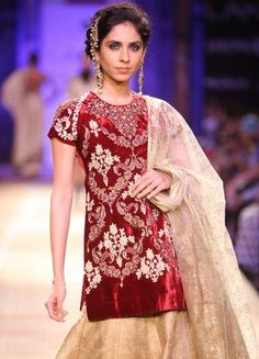 Anju Modi at Lakme Fashion Week Winter/Festive 2014 - Fashion Central India Indian Formal Wear, Lehenga Jewellery, Lehenga Wedding, Indian Wedding Planning, Lakme Fashion Week, Indian Couture, Budget Fashion, Indian Fashion, Bridal Dresses