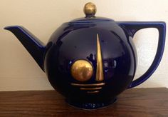 1939 New York Worlds Fair Hall Teapot from pearcefoxdecorativearts on Ruby Lane