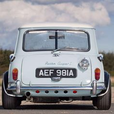 Mini Cooper / Classic / Car / Racing / wide and low