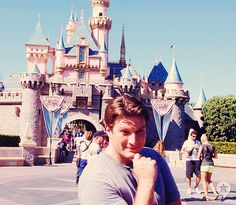 Castle with a castle - Put that on the Disney Checklist!!!! I want a picture like this!!
