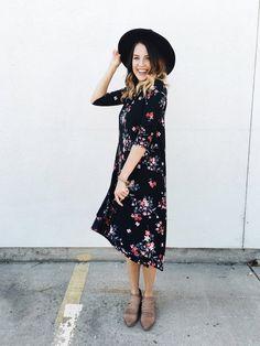 Bella Blossom Dress in Black | ROOLEE
