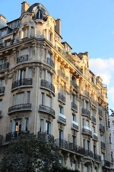 living in traditional Paris A Parisian apartment building similar to Clémence's in the arrondissement.A Parisian apartment building similar to Clémence's in the arrondissement. Paris Buildings, French Buildings, Architecture Parisienne, Parisian Architecture, My French Country Home, French Country Decorating, French Cottage, Country Homes, Modern Country