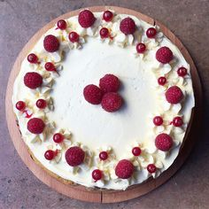 Raspberry and white chocolate cake 🙌🏻😍 #sugarjunction #nq #northernquarter #afternoontea #tearoom #chocolate #raspberry #cake