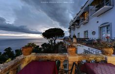 "In ricordo dei ""vecchi tempi"" un tramonto a #Taormina #volgosicilia #awesomeearth #awesomepix #awesomedreamplaces #awesomeglobe #awesome_photographer #travelawesome #earthlandscape #fantastic_earth #awesome_earthpix #awesomepix #earthofficial #earthfocus #destinationearth #fantastic_earthpix #places_wow #italy_vacations #landscape #shotonnikon #earthlandscape"
