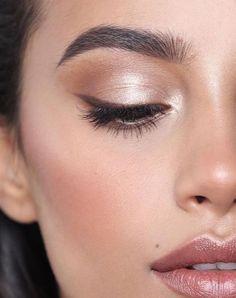 Make-up ❤ a touch of perfection! Everyday make-up 💕 city life 💕 Glam Makeup, Makeup Inspo, Makeup Inspiration, Makeup Hacks, Makeup Tips, Beauty Makeup, Hair Makeup, Makeup Ideas, Huda Beauty