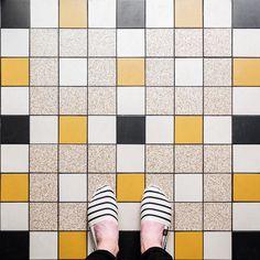 "Parisian floors en Instagram: ""75002 - Rue Leopold Bellan #parisianfloors#ihavethisthingwithfloors#ihavethisthingwithparisianfloors#selfeet#fromwhereistand#paris#lerubis#bistro#tiles#carrelage#mosaic#shoes#espadrilles#artofsoule#design#pattern#interiordesign#architecture"""