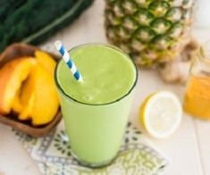 - Tropical Turmeric Cleanser Green Smoothie: 2 cups kale 2 cups coconut milk 2 cups pineapple 1 cup m - Green Smoothie Kale, Turmeric Smoothie, Green Smoothie Recipes, Juice Smoothie, Healthy Smoothies, Green Kale, Smoothie Cleanse, Juice Drinks, Healthy Breakfasts