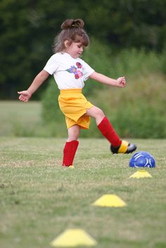this is not my princess, but one day she'll be playing futbol :D