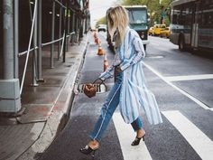 This week is all about florals, pops of pink and red, cool sneakers and ruffles. The 7 outfits to be inspired by this week are definitely on trend and we'd love to hear which one is your...