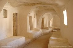 Explore the beautiful architecture of Tataouine, Tunisia Vernacular Architecture, Organic Architecture, Beautiful Architecture, Architecture Design, Islamic Architecture, Les Continents, Tadelakt, Rammed Earth, Earth Homes