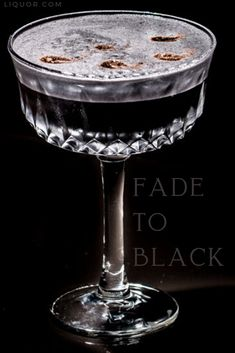 Upgrade your Rum Sour with berry notes and dark colors thanks to this recipe. Fade To Black incorporates spicy rum for an additional kick and will have your guests wondering how this black drink with activated charcoal could taste so good. New Years Cocktails, Festive Cocktails, Christmas Cocktails, Classic Cocktails, Alcoholic Punch, Tea And Crumpets, Rum Recipes, Hot Buttered Rum, Best Cocktail Recipes