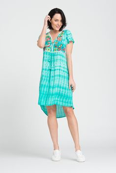 Classic European cuts, modern Bohemian style New-season essentials have been reduced. Modern Bohemian, Bohemian Style, Petite Suits, Plus Size Fashion Dresses, Smart Casual, Flutter Sleeve, Body Shapes, Style Me, Tie Dye