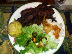 Kalbi (Korean Barbequed Beef Short Ribs) Recipe by ggoss Grilled Short Ribs, Beef Short Ribs, Korean Barbeque, Nibbles For Party, Beef Recipes, Great Recipes, Slow Cooker, Pork