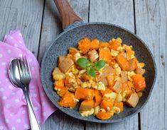 Skvelý tip na obed či večeru. PEčená maslová tekvica s ovčím syrom a mandľami je jednoduchá na prípravu, farebná pre oči a plná minerálov. Curry, Ethnic Recipes, Curries