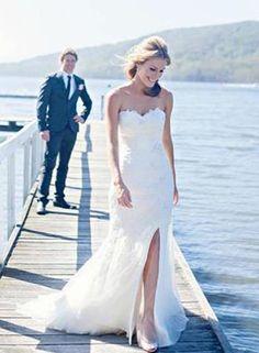 gorgeous wedding dress with slit #wedding