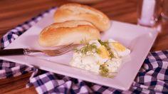 Vajíčkový šalát s cottage cheeseom Egg Salad, Cottage Cheese, Hot Dog Buns, Hamburger, Eggs, Bread, Food, Brot, Essen