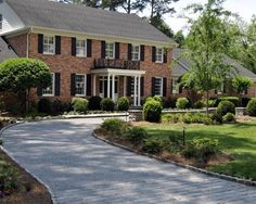 1000 images about front yard landscaping on pinterest for Colonial landscape design