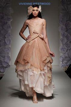 Vivienne Westwood wedding dress. Love it. Want it. Stunning.