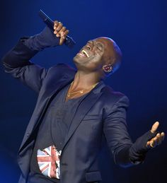 Seal performs at the 2008 Block Party event benefiting the Tiger Woods Learning Center. Photo credit Lester Cohen.