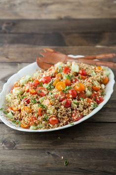 Summer Farro Salad--add pesto chicken and swap feta for mozzarella. Farro Recipes, Salad Recipes, Vegetarian Recipes, Cooking Recipes, Healthy Recipes, Vegetarian Dinners, Cooking Food, Farro Salad, Couscous