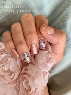 This amazing custom mixed manicure is all Color Street! This is made from At the Plaza (pink), Flora Good Time (Flower Nail Art), and Coming Up Rose Gold (Rose Gold glitter dip overlay). So quick and easy for a DIY Pink Mixed Manicure! Gold Nails, Fancy Nails, Pink Nails, Cute Nails, Pretty Nails, Gold Glitter, Pretty Woman Nail Polish, Stiletto Nails, New Nail Colors