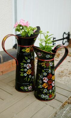 Jugs - Traditionally Hand Painted Narrowboat Style : Black Country Metalworks Ltd Canal Boat Art, Milk Churn, Boat Painting, Truck Art, Decoration, Metal Working, Colorful Backgrounds, Folk Art, Creations
