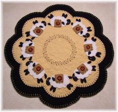 https://www.etsy.com/fr/listing/66207070/sheep-penny-rug-candle-mat-pdf-e-pattern?ref=shop_home_active_22
