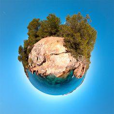Click on the image to immerse yourself in the island! Haz clic en la imagen para sumergirte en la isla!