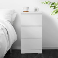 Malm Drawers, Bedroom Chest Of Drawers, Ikea Malm Dresser, Painted Drawers, Chest Drawers, Ikea White Chest Of Drawers, Ikea 9 Drawer, Bedside Table Ikea, Console Table