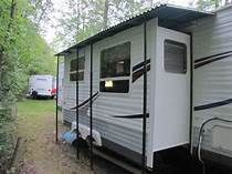Net Open Roads Forum: Travel Trailers: Slide awning in the rain RV.Net Open Roads Forum: Wohnwagen: Schiebemarkise im Regen Camper Trailers, Travel Trailers, Travel Trailer Living, Rv Travel, Adventure Travel, Slide In Camper, Camping Car, Camping Ideas, Campsite