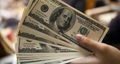 O dólar opera em alta de mais de 1% em relação ao real nesta quarta-feira (16), após ogoverno decidi...