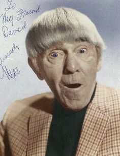 Moe Howard - I saw him perform at SUNY Buffalo in the year before he died. Moe Howard - I s The Stooges, The Three Stooges, Classic Tv, Classic Movies, Moe Howard, Clint Howard, Por Tras Das Cameras, Photo Vintage, Vintage Tv