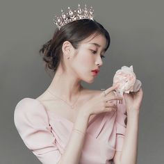 ✎﹄ⓘⓤ﹃ ✰ #iu Kpop Fashion Outfits, Iu Fashion, Korean Girl, Asian Girl, Iu Hair, Ideal Girl, Cha Eun Woo Astro, Actor Picture, Boy Hairstyles