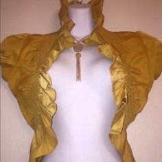 Top Pretty tops stretchable can fit small to medium size Tops Blouses