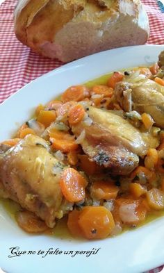 Pollo en Salsa al Whisky y Zanahorias Asian Recipes, Mexican Food Recipes, Healthy Recipes, Ethnic Recipes, Pollo Chicken, Good Food, Yummy Food, Kitchen Dishes, Restaurant Recipes