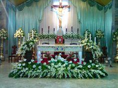 Easter Altar Decorations, Church Wedding Decorations, Flower Decorations, Altar Flowers, Church Flowers, Contemporary Flower Arrangements, Floral Arrangement, Catholic Easter, Easter Flower Arrangements