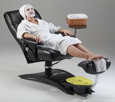 Pedicure chair with massage, reclyning back, manicure table and wide cushion to accomodate your clients Pedicure Tub, Pedicure Chair, Massage Place, Good Massage, Nail Salon Decor, Salons Decor, Salon Chairs For Sale, Stadium Chairs, Custom Business Signs